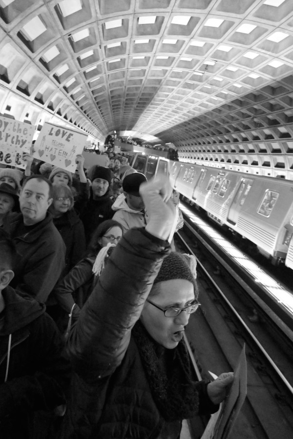 solidarity-on-dc-metro-platform